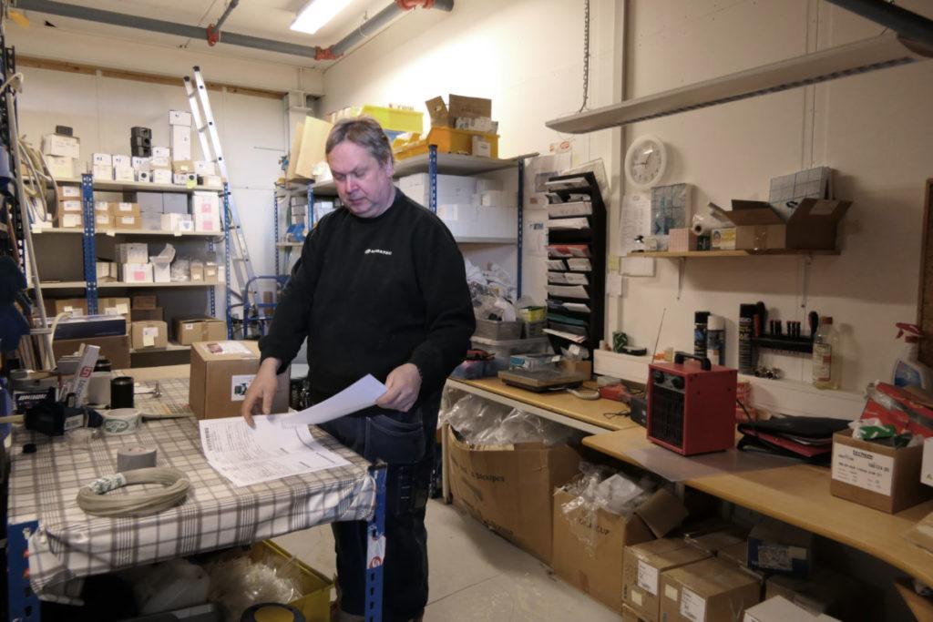 Ove jobber på lageret på SGP Armatec avdeling Moss